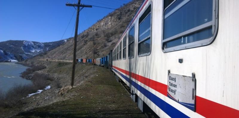 Elazığ Tatvan Treni
