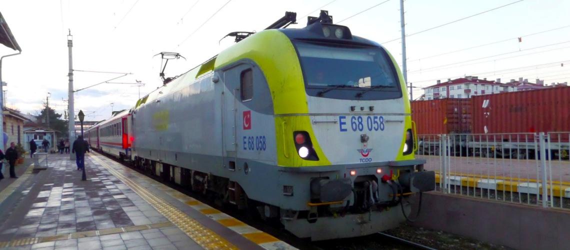 Halkali Çerkezkoy train