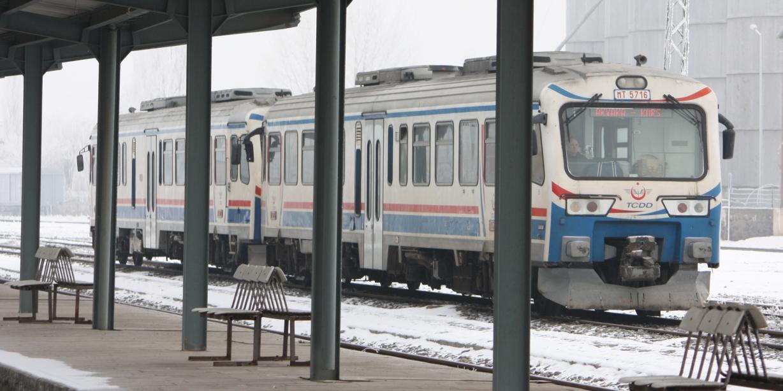 kars akyaka treni