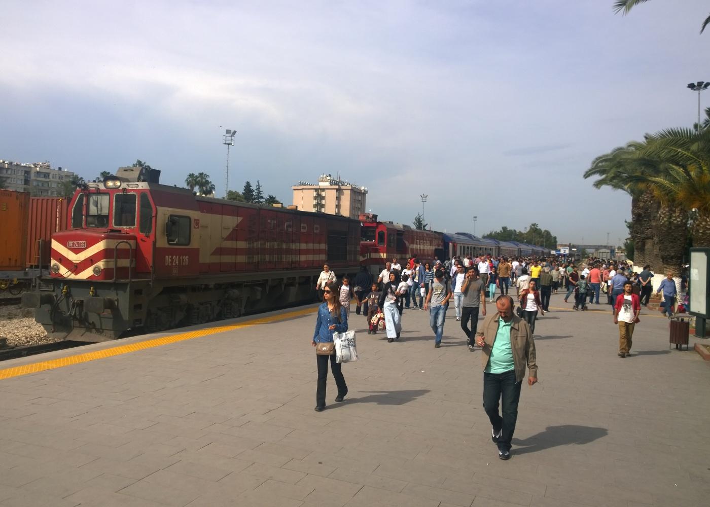 Tren yolcuları