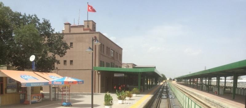 Afyon tren istasyonu - Onur