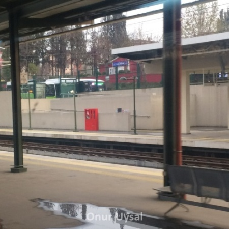 Gebze tren istasyonu - Onur